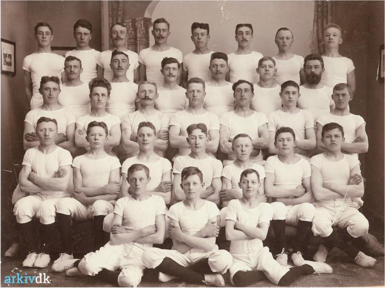1911_gymnastikhold
