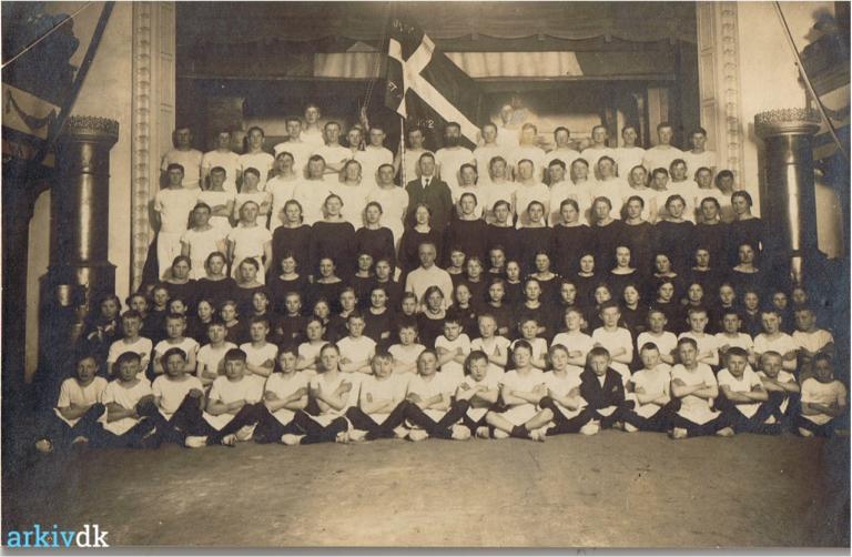 gymnastikforeningen_elverhoejsalen_1915